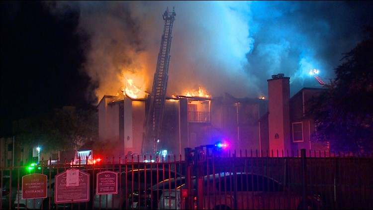 Dozens displaced after major apartment fire, Dallas Fire-Rescue officials say