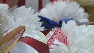 Flower power: Southwest students create something bigger than a homecoming mum