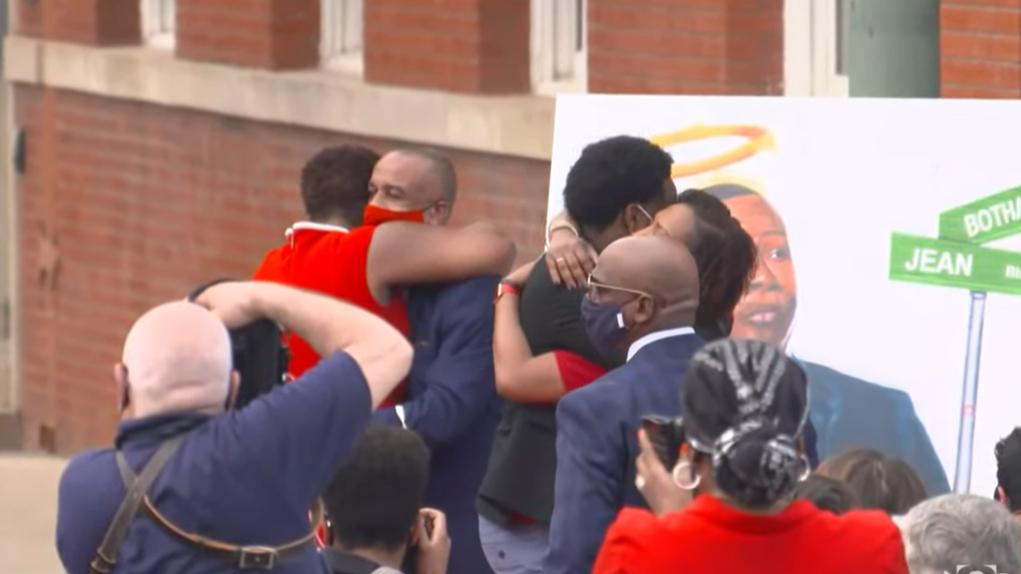 'He was every day impacting the world': City of Dallas, Jean family members unveil Botham Jean Boulevard