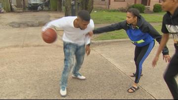 Basketball star, USC prospect Endyia Rogers carries torch for gifted Dallas family