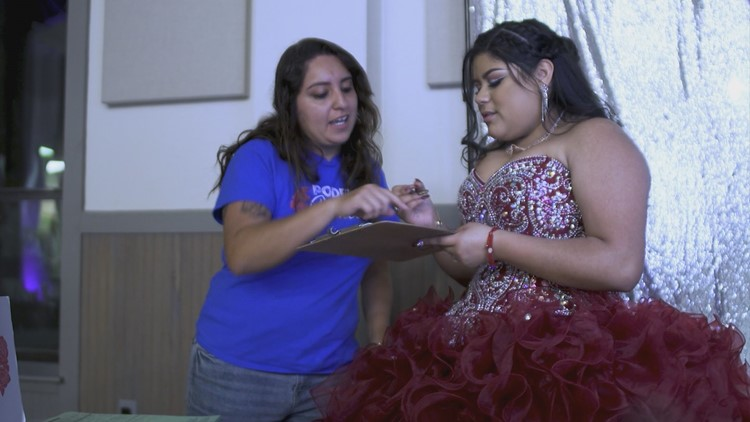 Why a quinceañera is a perfect place to register new Texas voters