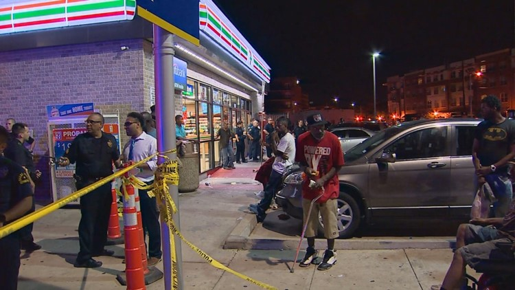 Unruly crowds gathered at a downtown Dallas 7-Eleven location early Friday morning.