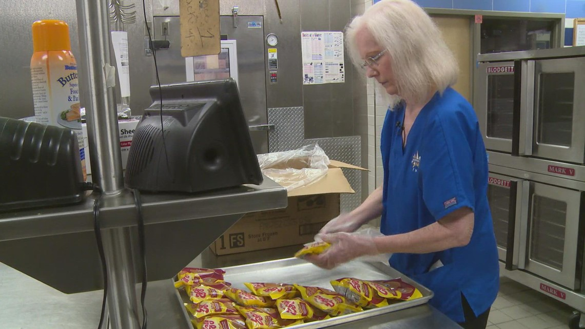 Mesquite cafeteria worker excited to begin 42nd year