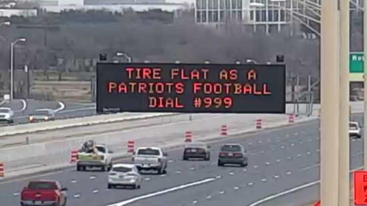 Texas Car Inspection >> Super Bowl: Toll road signs poke fun at Patriots, Rams ...