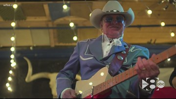 Texas music legend retiring from the road