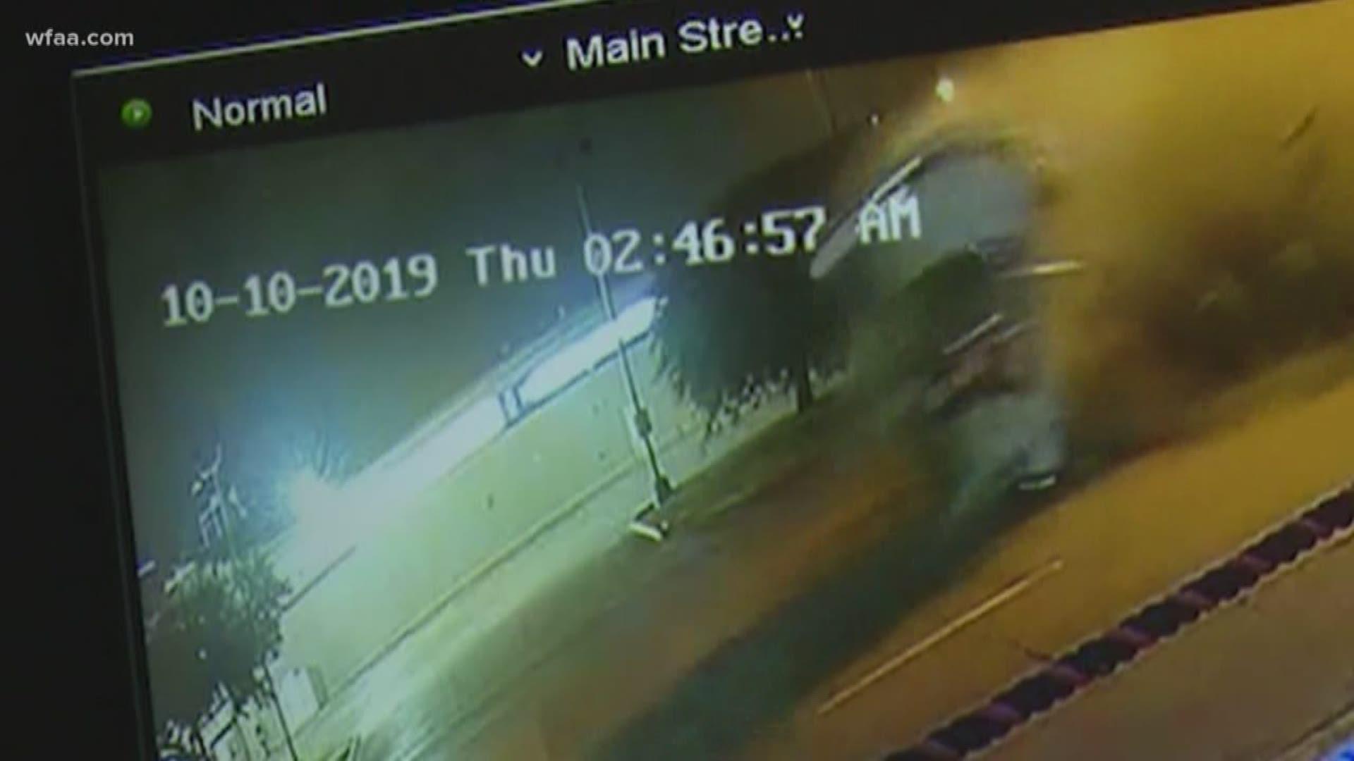 Boxer Errol Spence S Ferrari Flips Multiple Times In Dallas Crash Wfaa Com