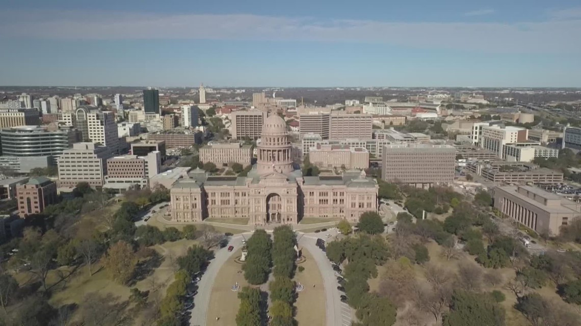 Texas lawmakers debate bills banning COVID vaccine requirements two days after Gov. Abbott's request