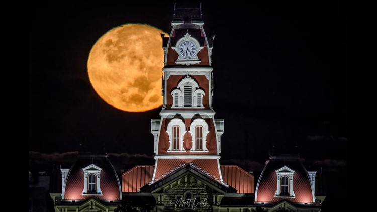 Gallery: Hunter's Moon 🌕 pics from around North Texas