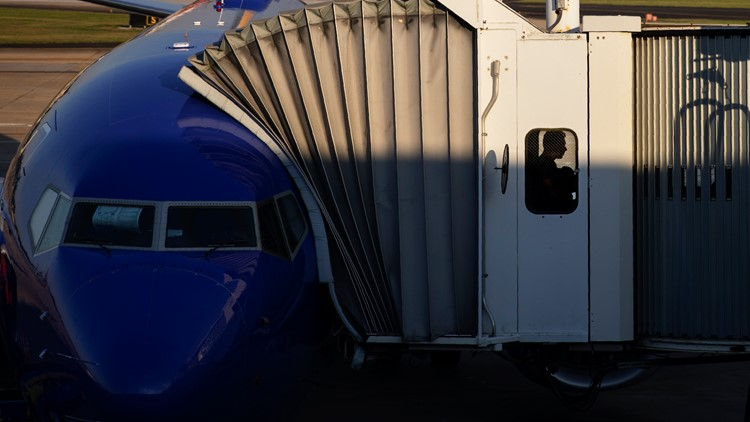 Earns Southwest Airlines