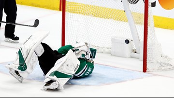 Blues force Game 7 with 4-1 win over Stars, stunned Bishop