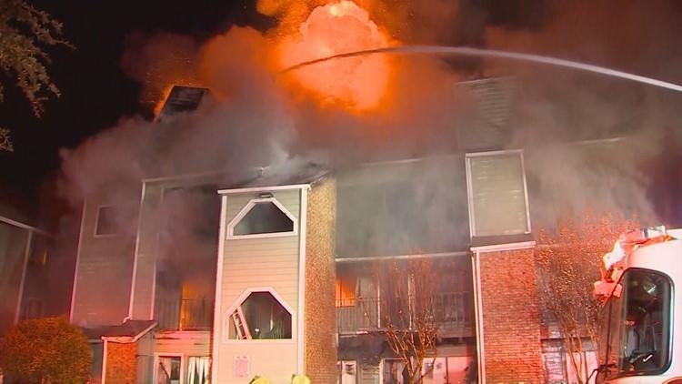 Dallas 4 Alarm Apartment Fire