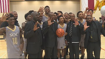 'It's an honor to be able to do this': South Oak Cliff HS basketball coach celebrates 500 career wins