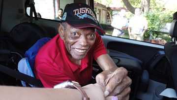 Tuskegee Airman's last wish comes true with help from community
