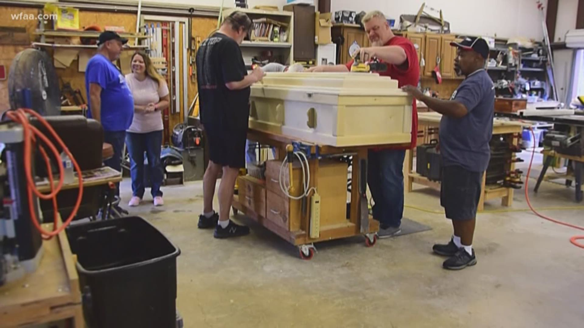 Tgi Texas Meet The Woodworking Group Providing Light In Dark Times As Angels On Earth Wfaa Com
