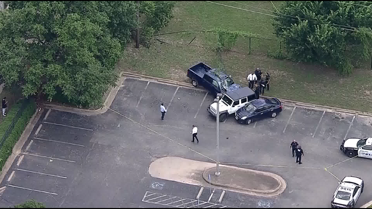 1 dead after apparent road rage shooting in Dallas, sources say