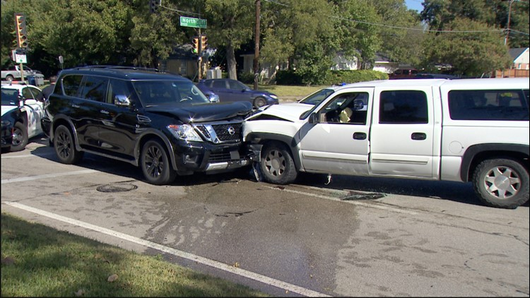 Dallas police arrest suspect who tried using three different cars during chase