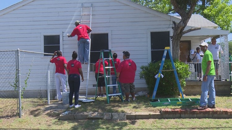 State Fair employees volunteered to help beautify the neighborhoods around Fair Park.