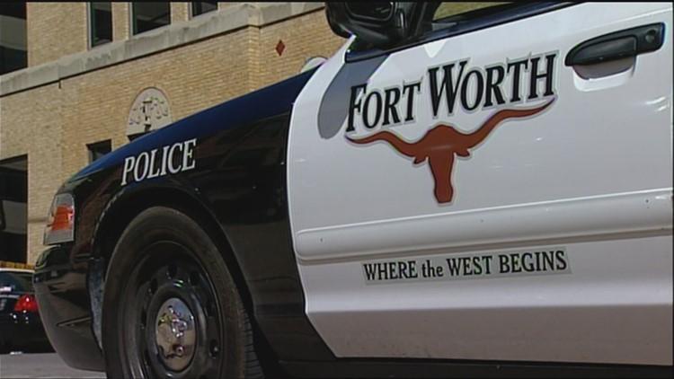 11-year-old dies after being hit by vehicle crossing Loop 820, police say