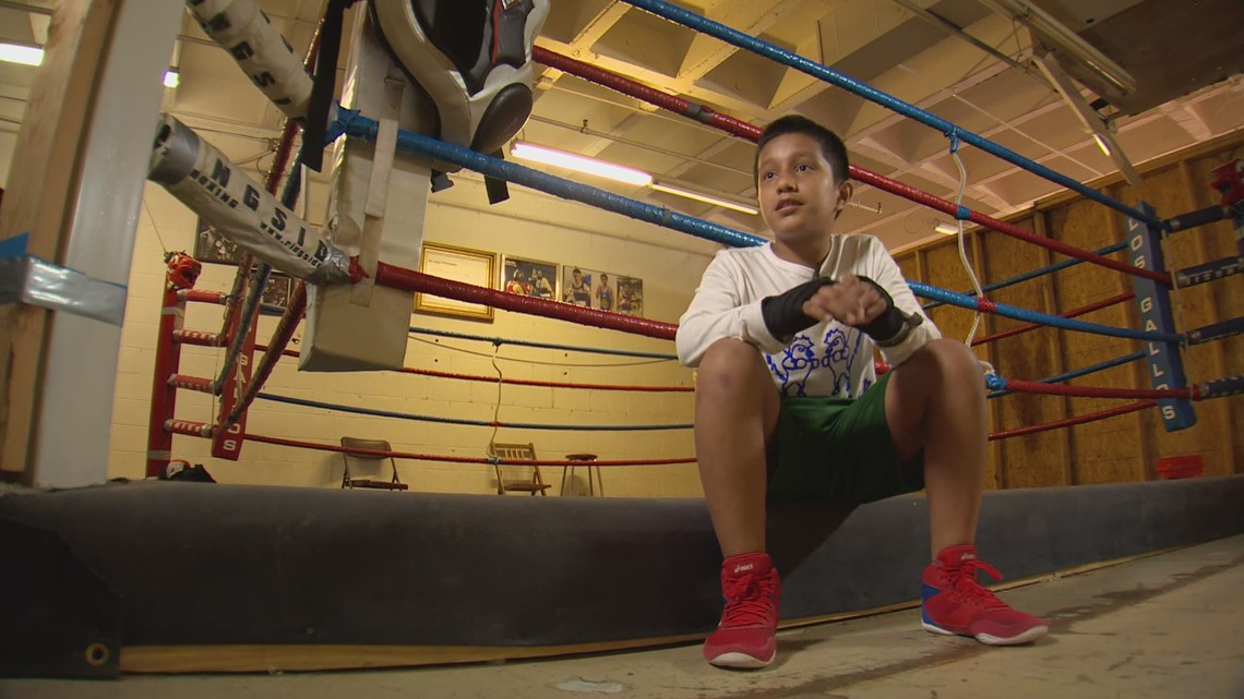 Oak Cliff boxing gym prepares to send 4 young boxers to national competition