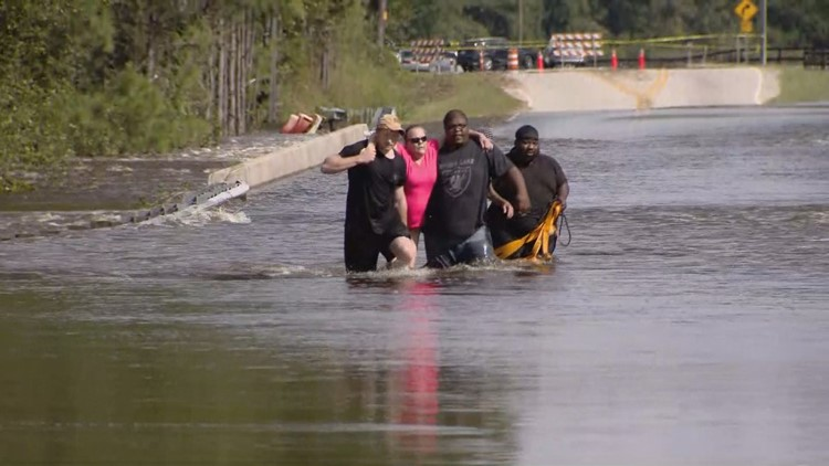 'It's deadly' | Couple nearly drowns walking through NC Florence floodwaters