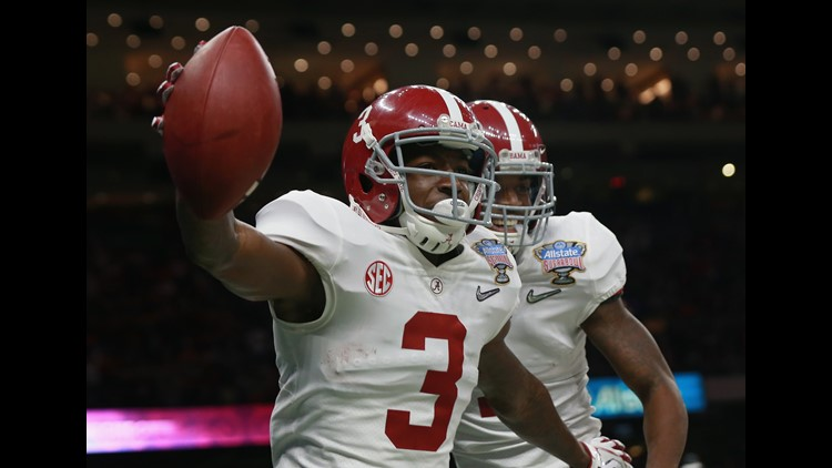 Calvin Ridley #3 of the Alabama Crimson Tide celebrates a reception for a touchdown with teammates in the first quarter of the AllState Sugar Bowl against the Clemson Tigers at the Mercedes-Benz Superdome on January 1, 2018 in New Orleans, Louisiana.