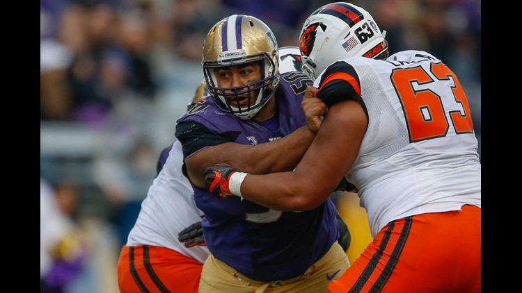Defensive lineman Vita Vea #50 of the Washington Huskies battles guard Gus Lavaka #63 of the Oregon State Beavers on October 22, 2016 at Husky Stadium in Seattle, Washington. (Photo by Otto Greule Jr/Getty Images)