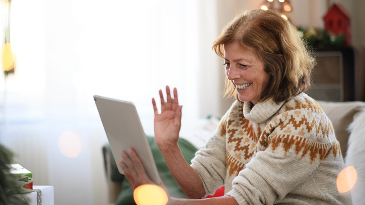Senior citizens connect with 'phone pals' to combat isolation